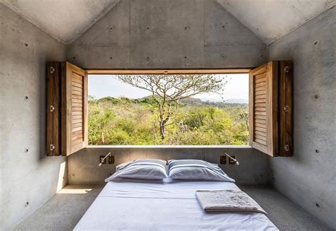 Beautiful Tiny Concrete House with a Minimalist Architecture