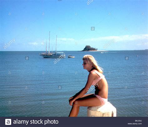 AGE OF CONSENT (1968) HELEN MIRREN AGCN 013 Stock Photo
